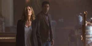 Cliff-Curtis-and-Kim-Dickens-in-Fear-the-Walking-Dead